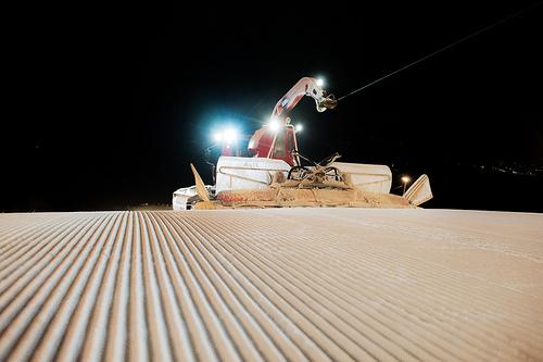 ウィンチ付圧雪車イメージ